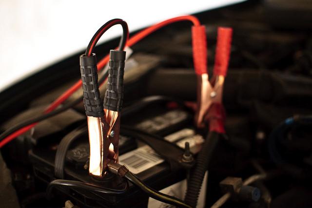 mejor-cargador-de-batería-para-coche