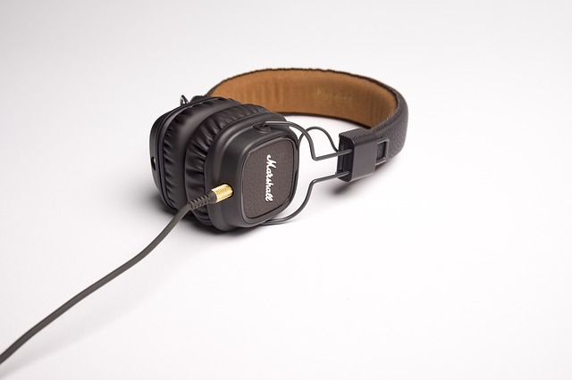 mejor-auricular-de-diadema-cerrado