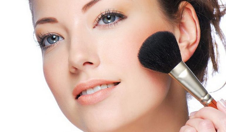 5ccb4d6ad Las 5 Mejores Brochas de Maquillaje del 2019 Comparativa y Opiniones