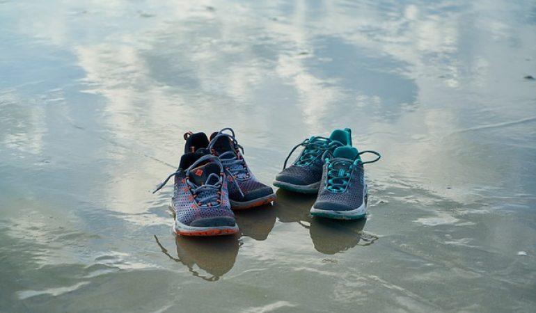 b664d5e7f19 Las 10 Mejores Zapatillas de Agua para Disfrutar de una Aventura al Aire  Libre